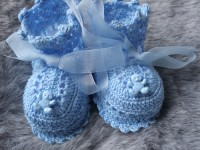 ANGEL SHOES 003..ADORABLE LITTLE BLUE THREAD CROCHET SHOES FOR A BABY BOY 0-3 MTHS.
