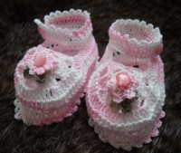 ANGEL SHOES 007.. PALE PINK THREAD CROCHET MARY JANE STYLE BABY SHOES 0-3MTHS.
