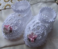 ANGEL SHOES 008.. WHITE THREAD CROCHET MARY JANE STYLE BABY SHOES 0-3MTHS.