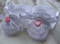 ANGEL SHOES 009..TINY WHITE THREAD CROCHET SHOES FOR A SMALL PREM BABY