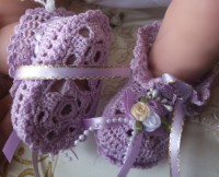 ANGEL SHOES 112..PRETTY LITTLE LILAC THREAD CROCHET BABY SHOES FOR  0-3 MTHS BABY