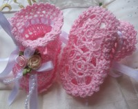 ANGEL SHOES 113..PRETTY LITTLE PINK THREAD CROCHET BABY SHOES FOR SMALL NEWBORN