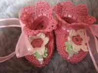 ANGEL SHOES 128.. DUSTY PINK THREAD CROCHET BABY SHOES 0-3MTHS.