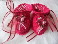 ANGEL SHOES 130.. FUCHSIA  PINK THREAD CROCHET BABY SHOES 0-3MTHS.
