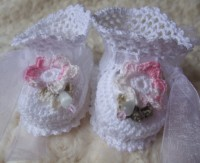 ANGEL SHOES 136..PRETTY WHITE THREAD CROCHET BOOTIES FOR SMALL NEWBORN BABY OR REBORN