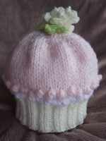 KNITTING PATTERN KSB 22***CUPCAKE HATS IN 5 SIZES FOR  BABIES OR REBORN DOLLS