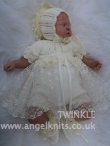 KSB..124  KNITTING PATTERN..TWINKLE FOR A  ROMPER, PANTS, A BOLERO TOP AND MATCHING HAT AND BOOTIES IN 3 SIZES