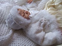KAM 144..WHITE CHRISTENING CARDIGAN AND BONNET 0-6 MTHS.
