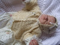 KAM 160..CREAM AND GOLD CHRISTENING BOLERO AND HAT 0-3 MTHS.