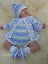 KNITTING PATTERN KSB..94 TO MAKE JIG A JIG...ROMPERS, CARDIGAN, HAT AND BOOTIES.